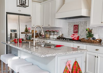 My Christmas Kitchen Decor + A Giveaway And An Exclusive Offer!