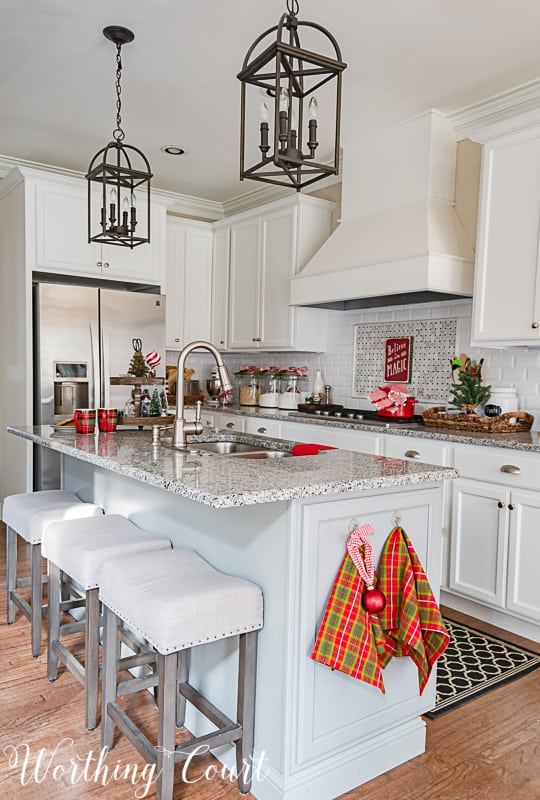 My Christmas Kitchen Decor + A Giveaway And An Exclusive ...