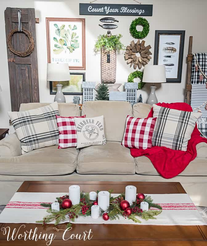 Living room Christmas decorations #christmasdecor