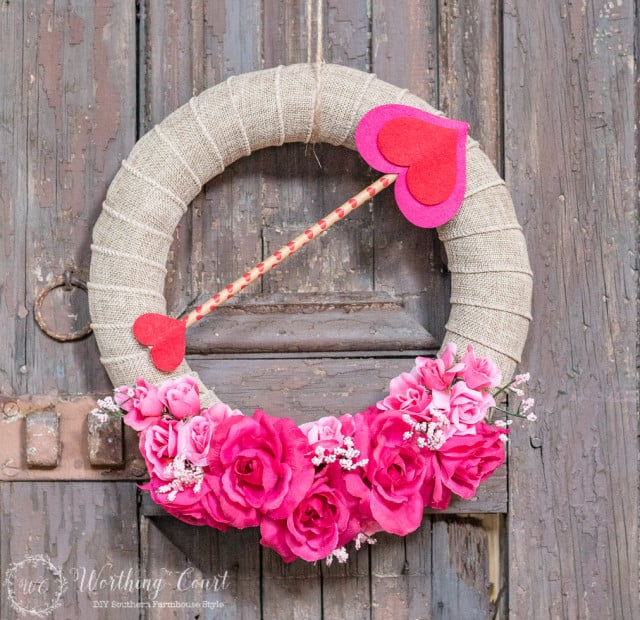 DIY Valentine's Day wreath, Valentine's Day craft