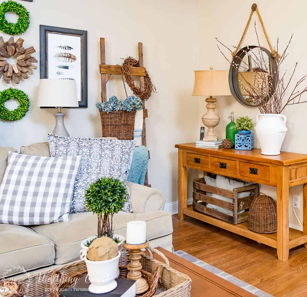 Spring decorating ideas #springdecor #spring #farmhousestyle
