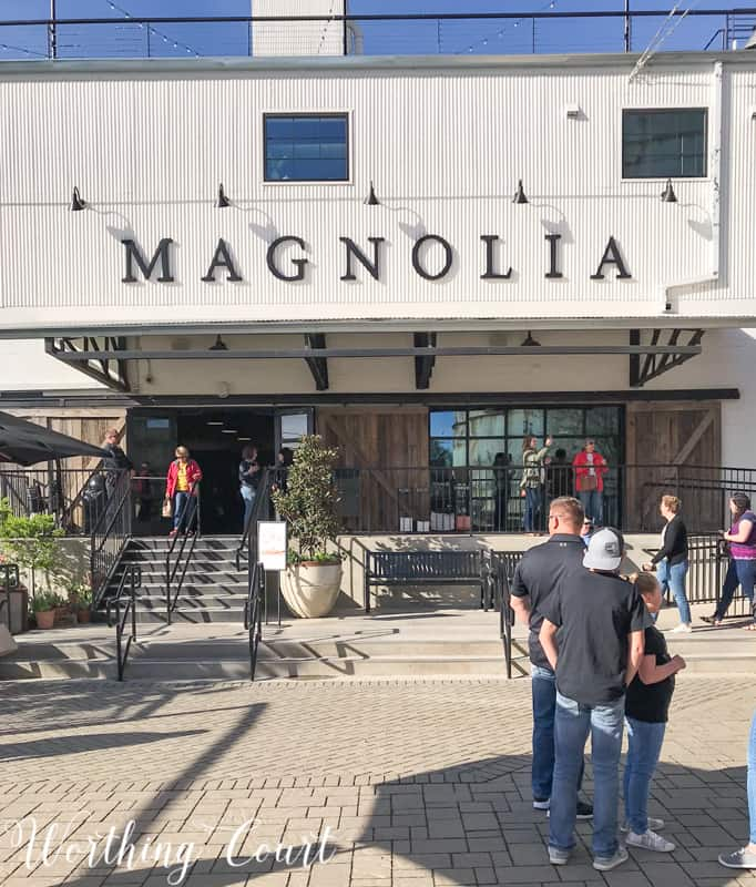 Home And Garden Decorating Ideas From My Trip To Magnolia Market #magnoliamarket #silos #fixerupper #gardeningideas #silos #decoratingideas