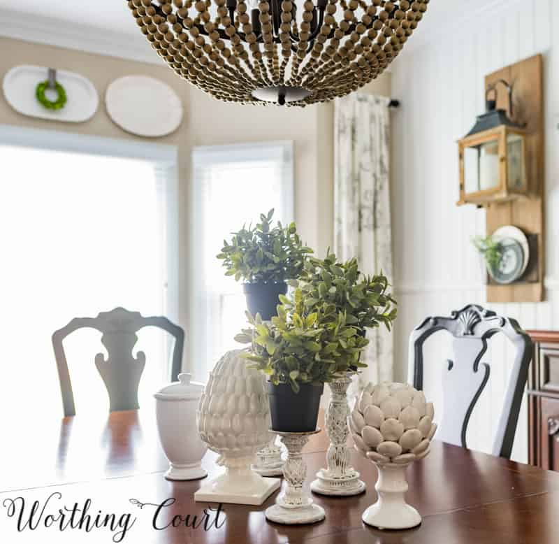 Simple green and white spring centerpiece #springdecor #spring #centerpiece #diningroom