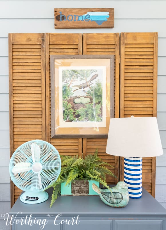 Vignette idea using items from the #TrishaYearwood Collection at #TractorSupply #springdecor #springdecoratingideas #aqua #HomeDecor #SouthernStyle #vignette