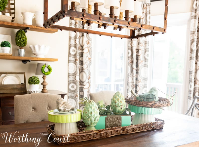 Spring centerpiece using blue and aqua accessories from the #TrishaYearwood Collection at #TractorSupply #springdecor #springdecoratingideas #centerpieceideas #aqua #limegreen #HomeDecor #SouthernStyle