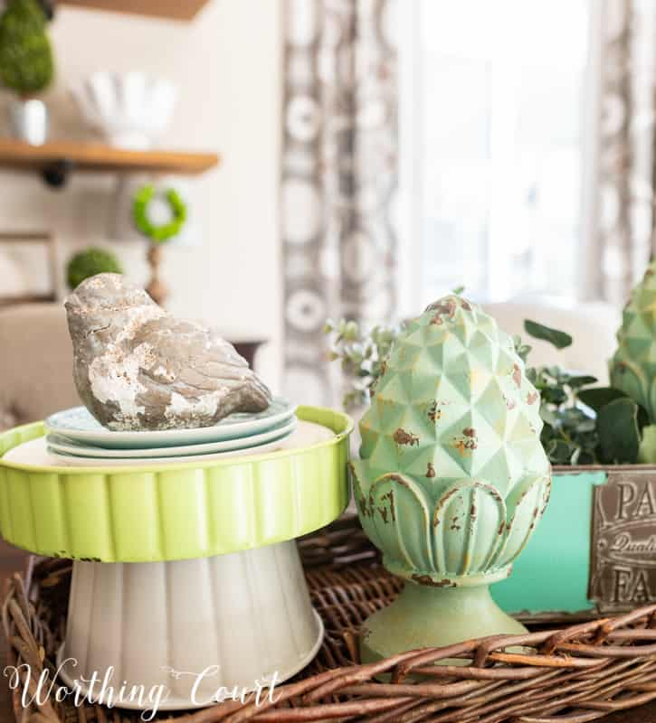 Spring centerpiece idea using blue and aqua accessories from the #TrishaYearwood Collection at #TractorSupply #springdecor #springdecoratingideas #centerpieceideas #aqua #limegreen #HomeDecor #SouthernStyle
