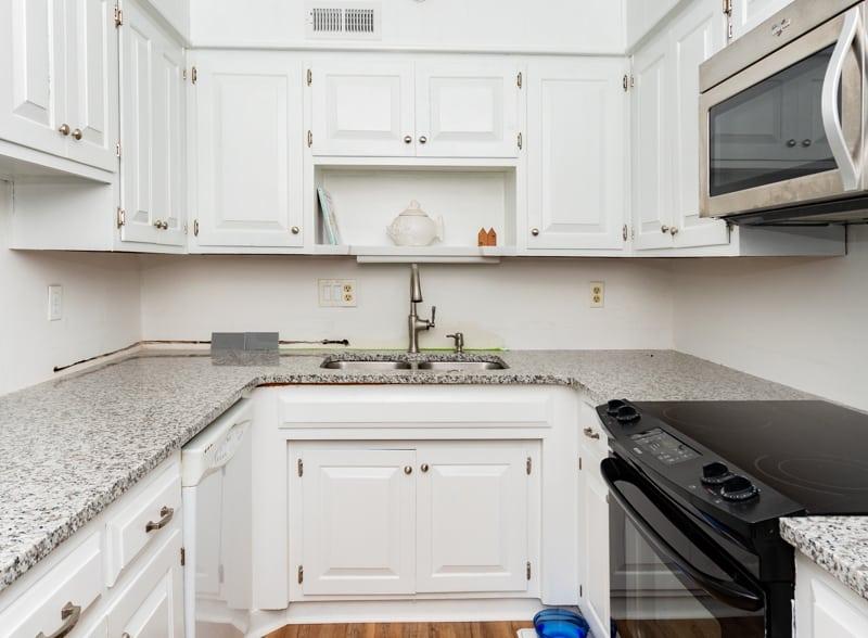 Kitchen remodel before backsplash