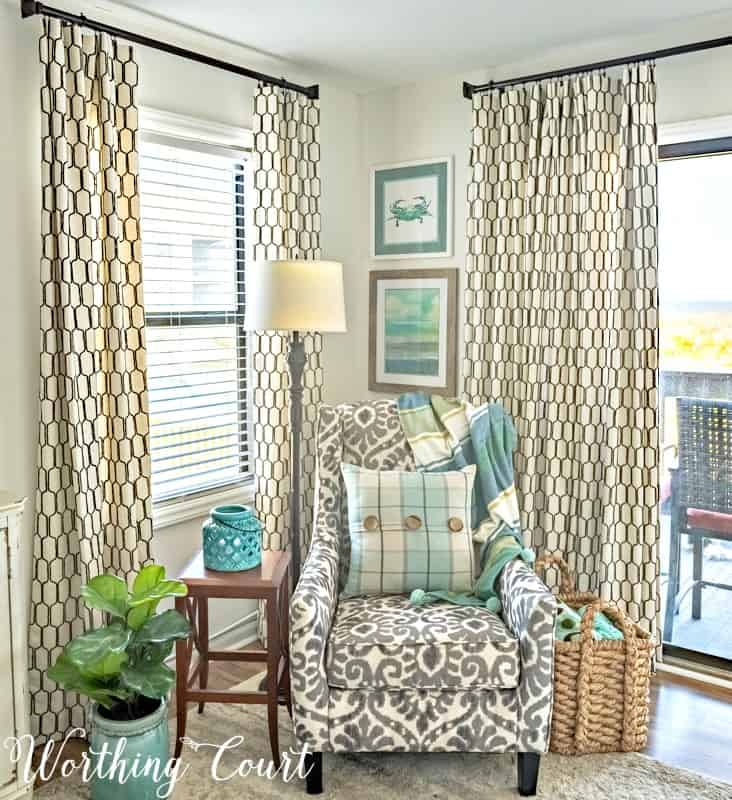 How To Make A Lined, Flat Drapes Just Like The Pros Do - It's Easy! How to make lined, flat draperies panels using the same methods as professional workrooms. #drapesforlivingroom #curtains #draperies #draperypanels #diydrapes #diycurtains #drapetechniques #drapesforslidingglassdoors #windowdrapes