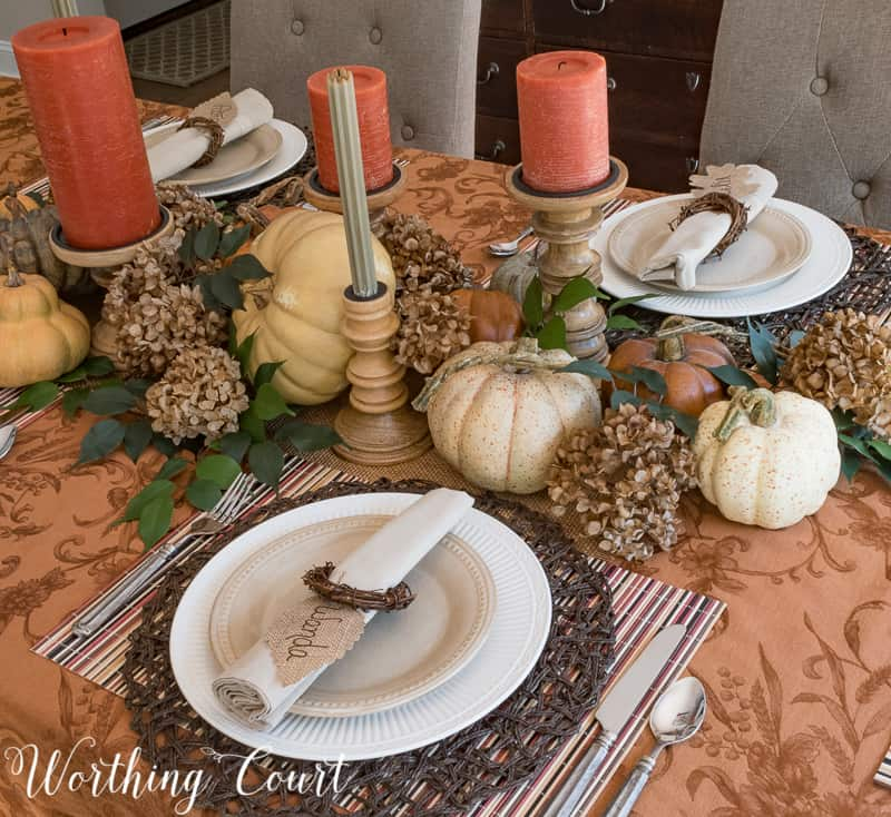 Thanksgiving tablescape using traditional fall colors