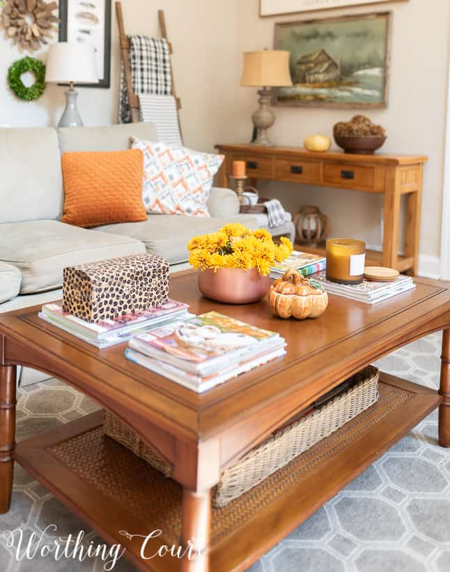 Superieur Coffee Table Decorated For Fall