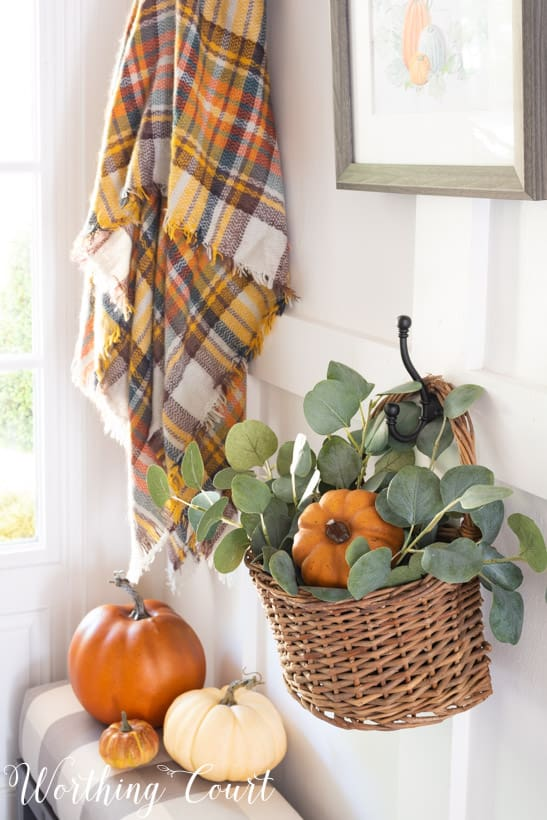 how to decorate for fall and directions for creating a vignette