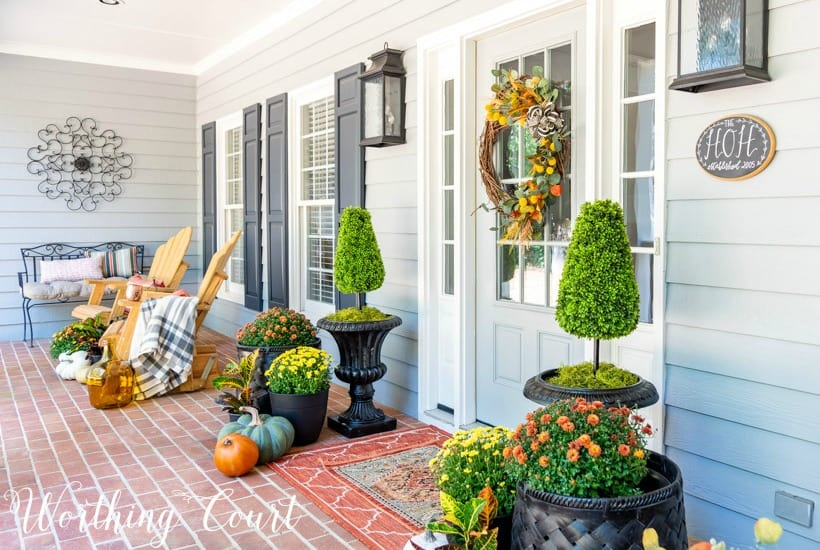 Inspiring front porch decor ideas for fall worthing court - Fall decorating ideas for front porch ...
