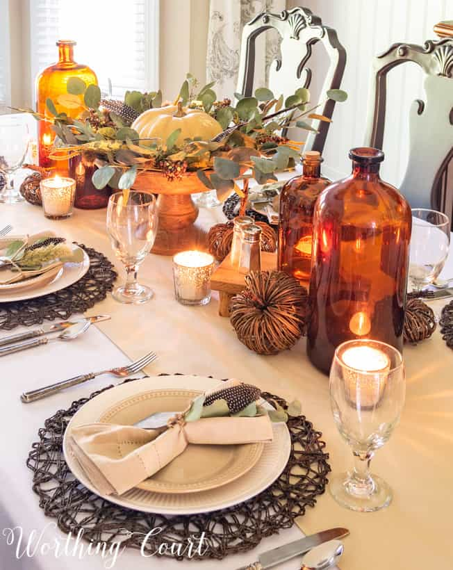 neutral fall table decor for hosting Thanksgiving
