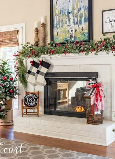 buffalo check Christmas tree and mantel decocr