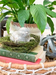 spring vignette in a woven tray