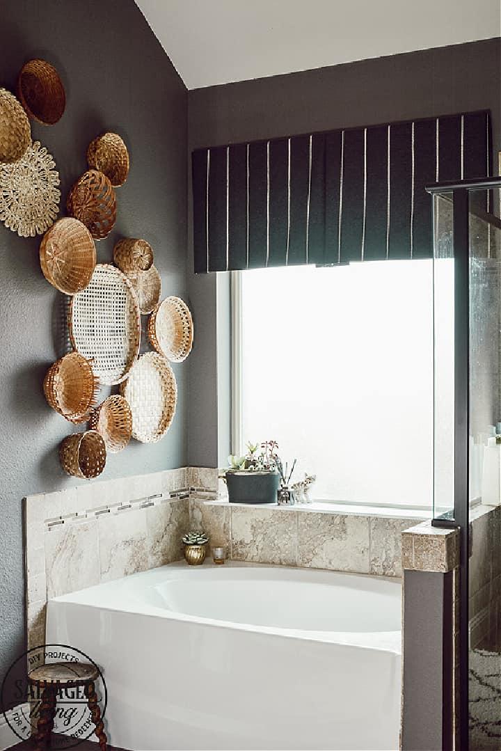 box pleated valance above tub